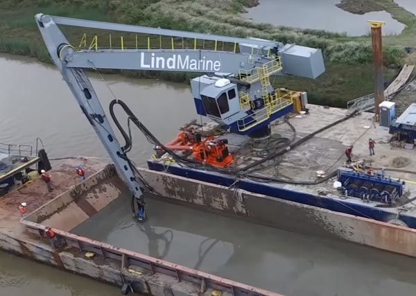 Applications - barge unloading dredger