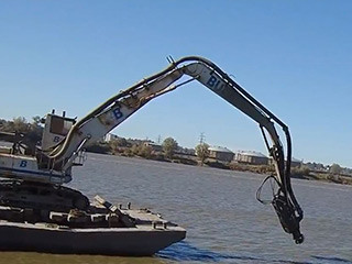 barge-based-excavator-deployment-budrovich-320px