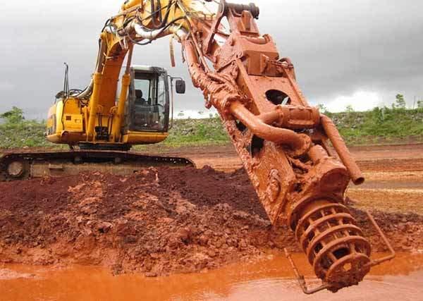 Pengeruk excavator mengeruk