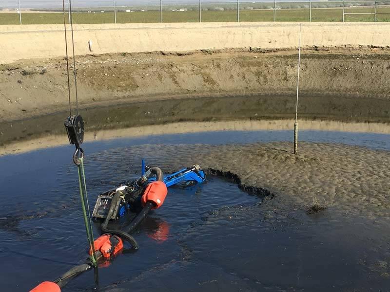 béton-coffre-sûr-irrigation-canal-sédiment-élimination