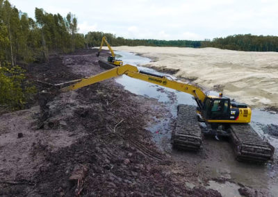 pontoon wetlands excavator eddy pump long boom