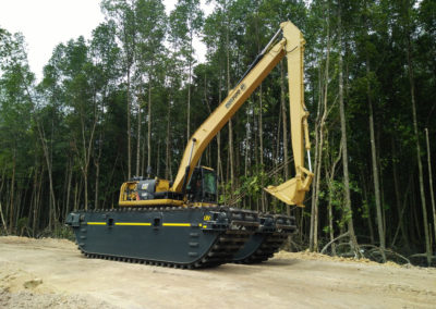 swamp buggy undercarriage eddy pump excavator