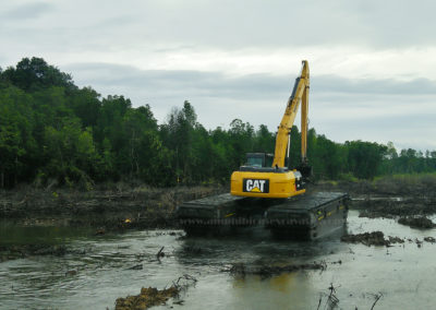 swamp buggie by eddy pump for excavators with long boom